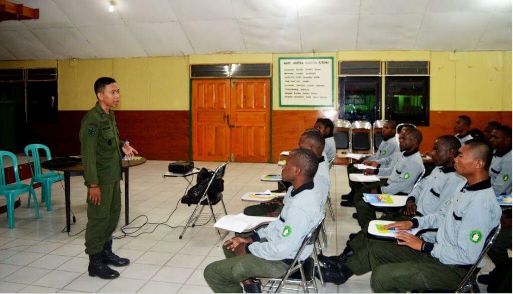 Pendidikan Dasar Resimen Mahasiswa Menwa Papua Menchandra Papua STISIP Amal Ilmiah